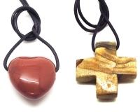 Kreuze und Herzen